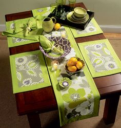 Oh I'm soooo on this!! Napkins, Placemats, Table Runner, Table Cloth and Flower Bowl in 3 Sizes