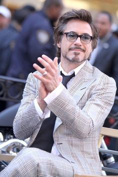 Shared by ❄️. Find images and videos about robert downey jr on We Heart It - the app to get lost in what you love. Robert Downey Jr., John David, Iron Man Tony Stark, Downey Junior, Marvel Actors, Hollywood Actor, American Actors, Gorgeous Men, Beautiful