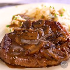 Recipe of the Day: Steak Marsala with Cauliflower Mash Forget steak and potatoes. Easy-to-mash cauliflower is the new veggie in town. Simply boil it until tender, then let your food processor do the w Steak Recipes, Cooking Recipes, Healthy Recipes, Sweets Recipes, Tasty Videos, Food Videos, Steak Marsala, Marsala Sauce, Food Network Recipes