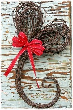 Heart with a flourish Flower Decorations, Valentines Day Decorations, Christmas Decorations, Christmas Time, Christmas Crafts, Xmas, Willow Weaving, Theme Noel, Nature Crafts
