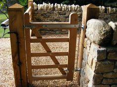 http://www.safesecuresystems.com/wp-content/uploads/2013/10/Oak-Pedestrian-Gate-with-Gas-Closer-in-Sharnbrook-2.jpg