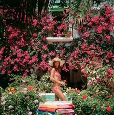 Inside the new coffee table book highlighting Slim Aarons best photography: