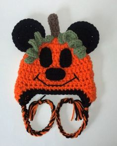 3992e1bdf40 Crochet Mickey Mouse Pumpkin Hat by ModernBabyCrochet on Etsy