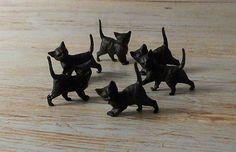vintagecatfaces:  Vintage German Miniature Black Cats  (via theblurofserenity)