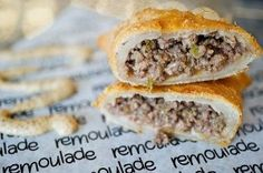 Arnaud's Meat Pies. Plain and simple. These delicately wrapped mini pies are filled with the best meat filling you will ever find. Creole Recipes, Cajun Recipes, Copycat Recipes, Beef Recipes, Cooking Recipes, Cajun Food, Curry Recipes, Cajun Meat Pie Recipe, Gastronomia