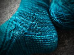 Ravelry: Cable Gusset Detail pattern by Nathan Taylor. Love this simole little cable incorporated into the gusset. Simple idea that could be used on lots of socks. Crochet Socks, Knitted Slippers, Knit Or Crochet, Knit Socks, Crotchet, Knitting Stitches, Knitting Socks, Hand Knitting, Lots Of Socks