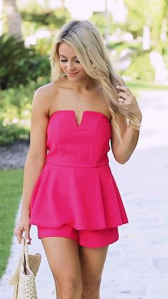 Sexy Outfits, Sexy Dresses, Dress Outfits, Summer Dresses For Women, Summer Outfits, Senior Portraits Girl, Frocks For Girls, Feminine Style, Sensual