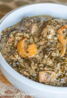 Laing with Shrimp is not your typical laing recipe because it make use of shrimp as an additional ingredient. It might have been common to use shrimp and other seafood ingredient in some version of laing, but the original laing version rarely use this ingredient.
