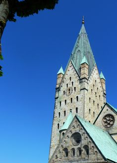 Paderborn Germany, Romanesque Architecture, Chor, Barcelona Cathedral, Travel Inspiration, Westerns, Louvre, Europe, Construction