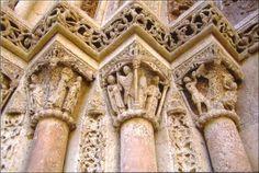 Capiteles goticos de la Catedral de Valencia.