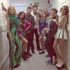 Mechi, Alba, Diego, Jorge, Cande, Samu, Facu, Tini  #ViolettaLIVETour