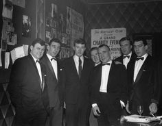 London gangster twins Ronald and Reginald Kray (left) with their brother Charles (second from right) at the Kentucky Club after the Premiere of 'Sparrows Can't Sing' in 1963 [Getty Images] Rare Photos, Old Photos, Tom Hardy Photos, The Krays, Twin Pictures, East End London, Hard Men, New Trailers, Historical Photos