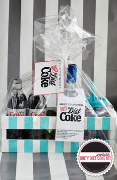 "Dirty Diet Coke Kit {free printables} If you know someone who loves Diet Coke then this is the perfect gift for them! It's a non-alcoholic ""dirty"" diet coke kit… Food Gifts, Craft Gifts, Diy Gifts, Diy Presents, Cute Gifts, Best Gifts, Diy Spring, Neighbor Gifts, Diet Coke"