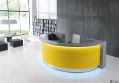 Banque d'accueil courbe Valde MDD en coloris jaune.