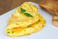 Peynirli Omlet Tarifi İçin Malzemeler2 adet yumurta 1 yemek kaşığı tereyağı Yarım kase k...