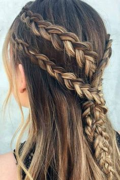 Recreate this Game of Thrones Khaleesi-inspired waterfall braid with a how-to from Nine Zero One Salon stylist and braid expert Denise Madrigal and Medieval Hairstyles, Up Hairstyles, Pretty Hairstyles, Braided Hairstyles, Curly Hair Styles, Natural Hair Styles, Hair Dos, Hair Hacks, Hair Lengths