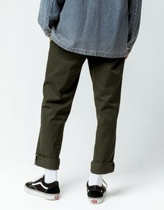 """Dickies 850 slim taper flex pants. Slant front pockets with button welt back pockets. Zip fly with contrast trim at zipper. Button waist. Approx leg opening: 14""""(36cm). 65% polyester/35% cotton. Machine wash. Imported. Tokyo Street Fashion, Streetwear Mode, Streetwear Fashion, Grunge Outfits, Vans Outfit Men, Olive Pants, Estilo Grunge, Outfits Hombre, Grunge Style"""