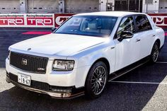Very few people get to ride in a Toyota Century. The automaker only makes about 50 of them each month, and . Toyota Century, Raptor Truck, Lexus Ls, Lux Cars, Japanese Cars, Modified Cars, Limo, Dream Garage, Rolls Royce