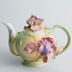 Loving this ... Iris Teapot