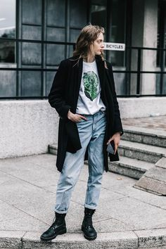 London Street Style Outfits with Best Tricks - Outfit Styles Camisa Grunge, Estilo Grunge, Hipster Grunge, Black Grunge, Street Style London, Street Style Vintage, Paris Street, Street Chic, Grunge Street Style