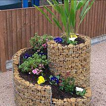 As a urban gardener, I love ideas that help create more growing space,… :: Hometalk