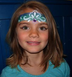prinzessin schminken mädchen stirn blau türkis wimpern #fasching  #makeup #princess