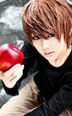 Death Note - Light Yagami - COSPLAY IS BAEEE! Tap the pin now to grab yourself some BAE Cosplay leggings and shirts! From super hero fitness leggings, super hero fitness shirts, and so much more that wil make you say YASSS! Cosplay Anime, Epic Cosplay, Amazing Cosplay, Cosplay Costumes, Cosplay Ideas, Male Cosplay, Shinigami, Cosplay Death Note, Vocaloid