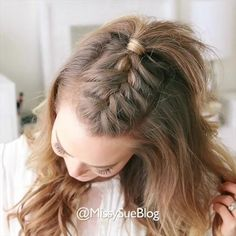 French Mohawk Braid 🎥 Tag a friend 👭 that would love this style! - French Mohawk Braid 🎥 Tag a friend 👭 that would love this style! Full hair tutorial link in m - Medium Hair Styles, Curly Hair Styles, Short Hair Braid Styles, How To Style Short Hair, Hair Braiding Styles, Braiding Your Own Hair, Mohawk Braid, French Braid Mohawk, French Braid Short Hair