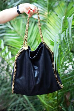 Stella McCartney, Falabella bag - I LOVE that Stella McCartney uses vegan friendly materials! Fashion Bags, Fashion Accessories, Women's Fashion, Falabella Bag, Stella Maccartney, Stella Mccartney Falabella, Tennis Fashion, Vegan Handbags, Vegan Shoes