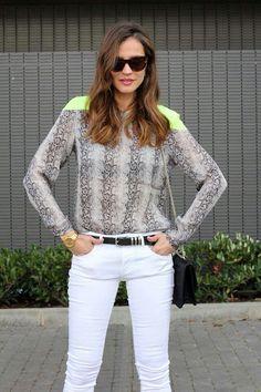 Neón animal print blouse