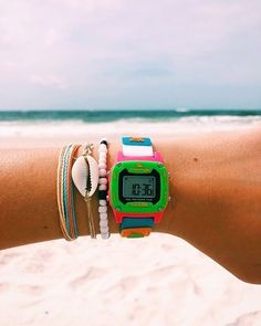 High End Watches, Cool Watches, Watches For Men, Elegant Watches, Beautiful Watches, Casual Watches, Shark Watches, Granola Girl, Popular Watches