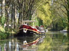 Péniche sur le Canal du Midi (France) Le Canal Du Midi, Canal Boat, France, Illustrations, Have Fun, Scenery, Photos, Culture, Gypsy Caravan
