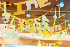 Banners originales y festivos para decorar un techo / Original and festive banners to decorate a ceiling