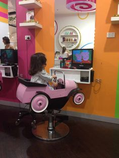 {MELBOURNE} Candy Hair is a child centric hairdressing salon and party room dedicated to providing fun, hassle-free hair cuts in a bright and cheerful environment. Parents can choose to have their hair styled at the same time as their children too.
