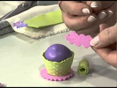 Sandra Rigueiro - Bienvendias TV en HD - Modela en goma eva un mini cupcake para decorar lápices - YouTube