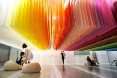 100 Colors Installation – by Emmanuelle Moreaux  http://www.emmanuelle.jp/