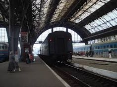 Resultado de imagen para train station