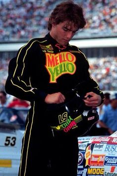 Tom Cruise Hot, Tom Cruise Young, Days Of Thunder Movie, Cole Trickle, Good Looking Actors, Nascar Race Cars, My Tom, Hollywood Actor, Funny Relatable Memes