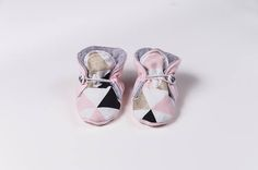 Baby shoes non slip slippers Pink with gold