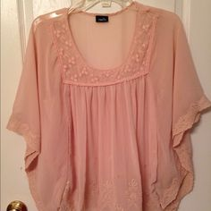 Rue 21 blush colored batwing blouse Beautiful blush colored poncho/batwing blouse . Size S from Rue 21. Looks cute with jeans or leggings and boots. Rue 21 Tops Blouses