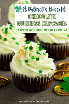 These Chocolate Guinness Cupcakes complete with Bailey's Irish Cream frosting are the only cupcakes you need for St. Patrick's Day! These easy cupcakes are made using a box of chocolate cake mix and of course Guinness. Chocolate Oats, Chocolate Cake Mixes, Frosting Tips, Cream Frosting, Baking Cupcakes, Fun Cupcakes, Guinness Cupcakes, Cupcake Recipes From Scratch, Purple Pumpkin