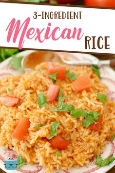 Mexican Rice The Country Cook - This Mexican Rice tastes just like the one at the restaurant! only 15 minutes and it only uses only one pan to make! Rice Recipes For Dinner, Side Dish Recipes, Side Dishes, Main Dishes, Mexican Dishes, Mexican Food Recipes, Ethnic Recipes, Yummy Recipes, Arabic Recipes