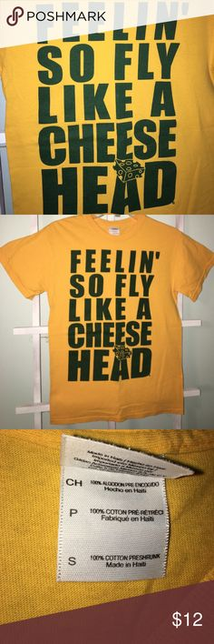"Green Bay Packers tshirt ""Feelin' so fly like a cheesehead"" Green Bay Packer tshirt, worn a few times. Great for any Wisconsin sporting event!! C'mon cheeseheads!!!! Gildan Tops Tees - Short Sleeve"