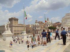 Circuito: Tutta Italia-Sorrento  Fotografía: Eduardo Hasbun B. Sorrento, Louvre, Street View, Building, Travel, Circuit, Italy, Artists, Photos