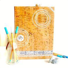 Kalender mit Korkpapier, Washi Tape und Chalky Paint   via julesmoody