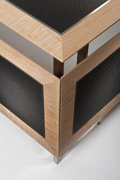 Carbon Fiber Expandable Desk