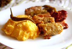 Sarmale in foi de varza cu afumatura si mamaliga - Suffed cabbage with smoked meat and polenta
