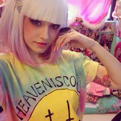 Pastel goth tie dye girl tumblr Pastel Goth Fashion, Kawaii Fashion, Punk Fashion, Grunge Fashion, Soft Grunge, Pastel Grunge, Nu Goth, Steam Punk, Creepy Cute Fashion