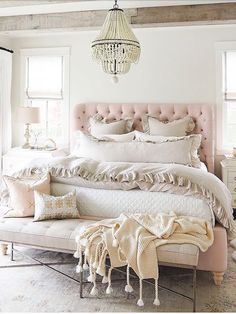 35 Amazingly Pretty Shabby Chic Bedroom Design and Decor Ideas - The Trending House Girls Bedroom, Room, Glam Bedroom, Home Decor, Bedroom Furniture, Duvet Cover Sets, Bedroom Decor, Simple Bedroom, Furnishings