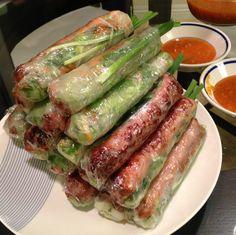 nem nuong cuon Vietnamese Cuisine, Vietnamese Recipes, Asian Recipes, Nem Nuong, Food Design, Tuna, Food And Drink, Fish, Eat